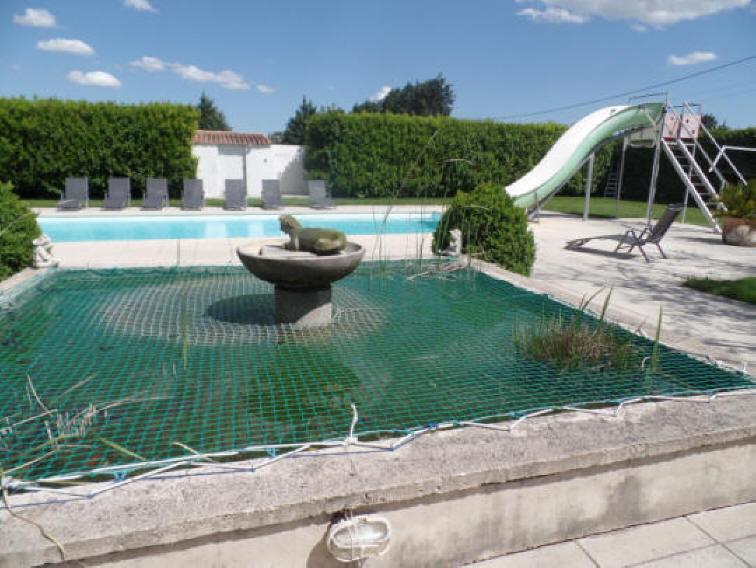 Location luxueuse maison vacances 12 personnes piscine languedoc provence - Piscine bassin provencal colombes ...